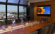 Оборудование переговорных комнат и оснащение переговорных