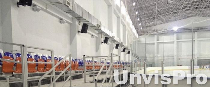 озвучивание ледового поля и трибун: размещение акустики