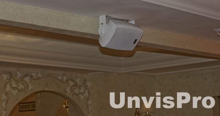акустическая система для ресторана в интерьере