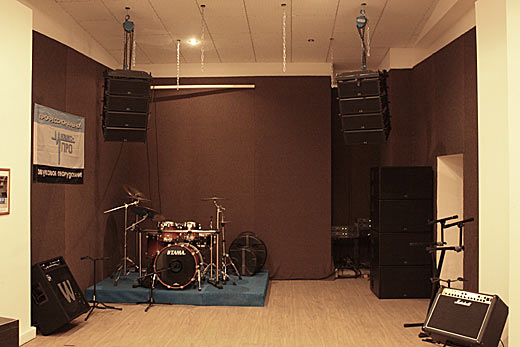 репетиции на профессиональном звуковом оборудовании!